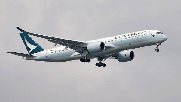 Cathay Pacific halts union ban on pilot training