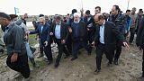 روحاني يتفقد الدمار الناجم عن الفيضانات في شمال إيران