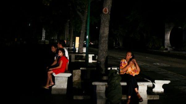 Méga-panne électrique au Venezuela: trois jours de paralysie