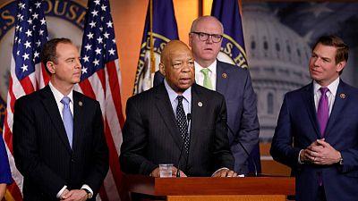 U.S. lawmakers squabble over demand for Trump financial records