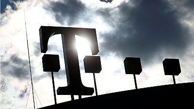 Deutsche Telekom still confident T-Mobile-Sprint deal will go through