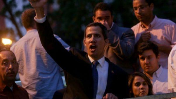 """Venezuela: Guaido inéligible pour 15 ans, sanction """"ridicule"""" selon les Etats-Unis"""