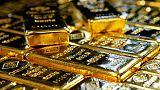 الذهب يرتفع مع تراجع الدولار والبلاديوم يرتد عن ثلاث جلسات من الخسائر