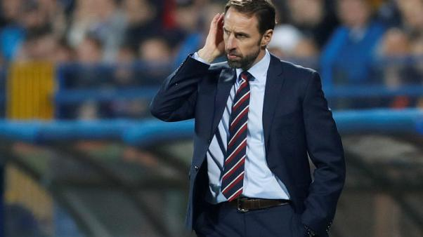 Southgate offers to help England women's team before World Cup