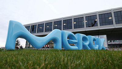 Versum urges shareholders to reject Merck KGaA hostile bid