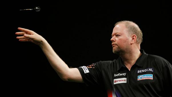 Darts - Van Barneveld reverses decision to retire, will continue playing in 2019