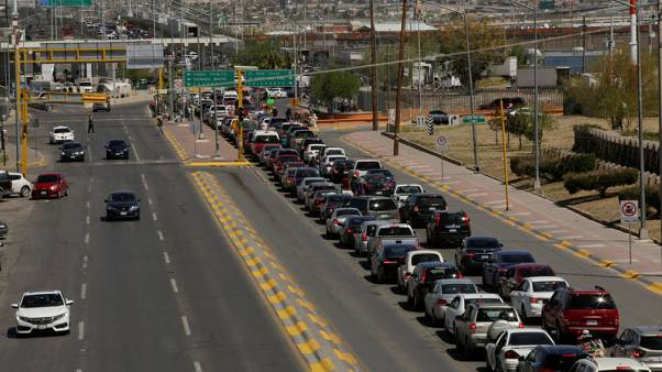 Trump threatens closure of U.S.-Mexico border next week to stem asylum surge
