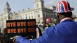 Dépit et colère devant Westminster le jour où le Brexit était censé avoir lieu