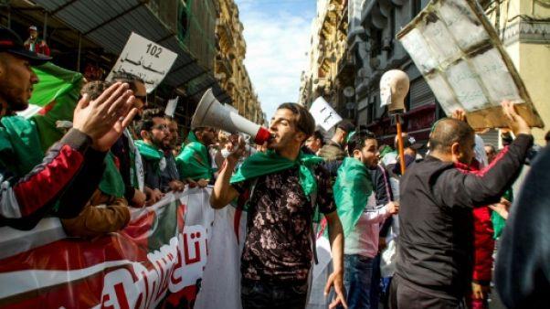 Algérie: une manifestation peut-elle être une fête?