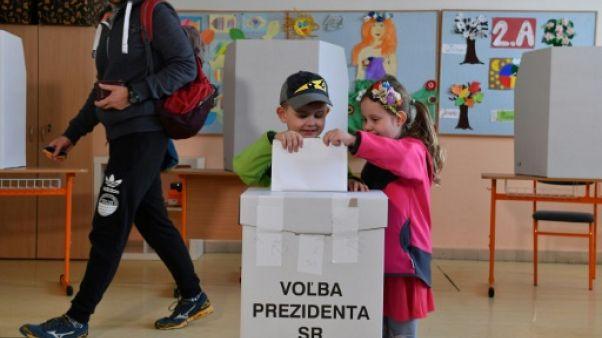Présidentielle slovaque: une avocate anti-corruption favorite du scrutin