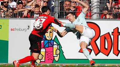 Wasteful Bayern stumble in title race, Dortmund win