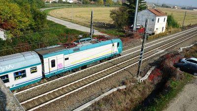 Uomo morto travolto da treno nel Monzese