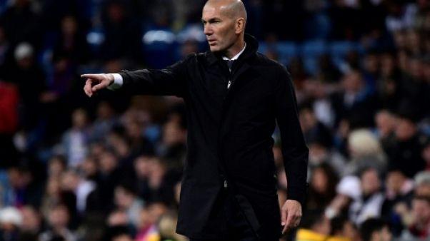 Real Madrid: Zidane veut garder Varane et ne sait rien d'un départ