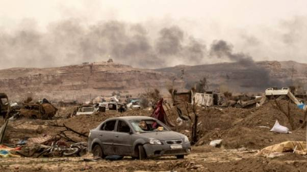 """Syrie: opérations contre les repaires jihadistes après la chute du """"califat"""""""