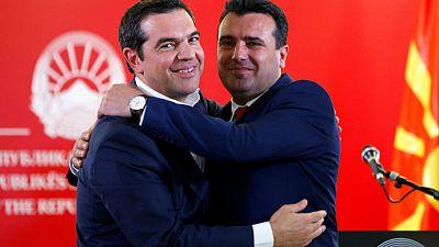 Selfies and air pact mark North Macedonia-Greece detente