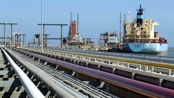 Exclusive: Venezuela oil exports stable in March despite sanctions, blackouts -data
