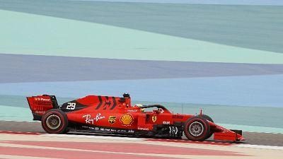 Test Bahrain: Ferrari gira con Vettel
