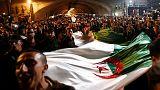 حكومة الجزائر الانتقالية تواجه ضغوطا لمزيد من التغيير بعد رحيل بوتفليقة