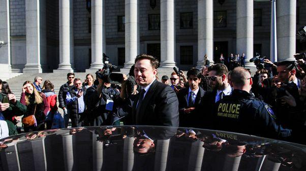 Elon Musk safe for now as U.S. judge urges Tesla CEO, SEC to resolve tweet dispute