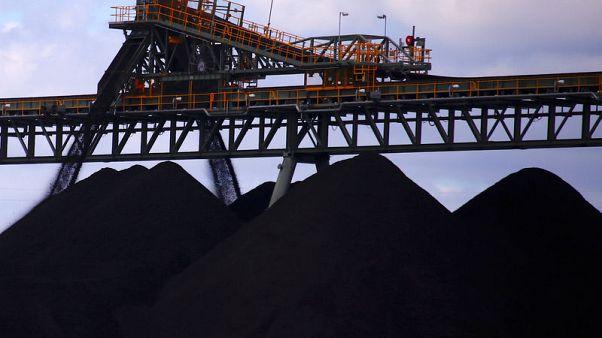 Graphic: Australia coal posts biggest weekly drop in a decade amid weak demand