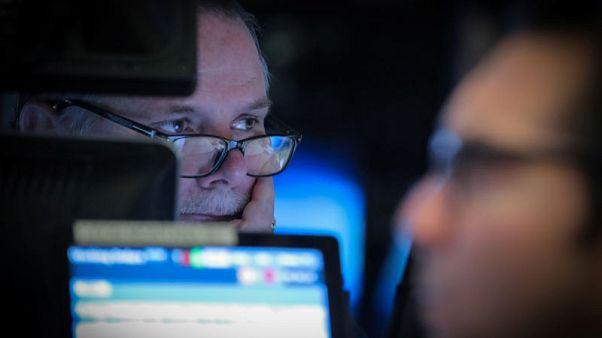 وول ستريت تفتح مرتفعة بفضل بيانات وظائف مارس وآمال التجارة