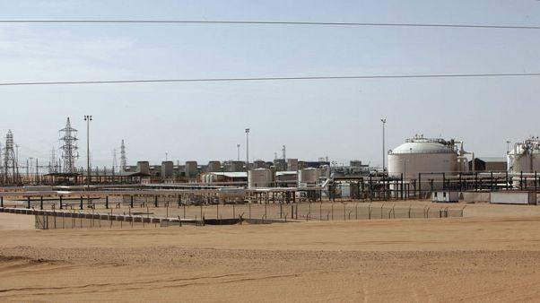 مهندس في حقل الشرارة النفطي الليبي يقول الحقل وميناء الزاوية يعملان بشكل طبيعي