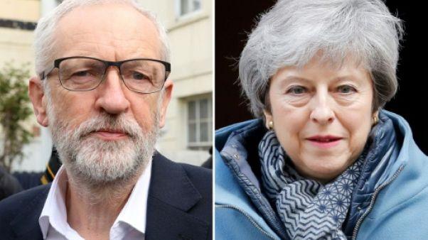Propulsé au coeur du dossier Brexit, Corbyn joue les équilibristes