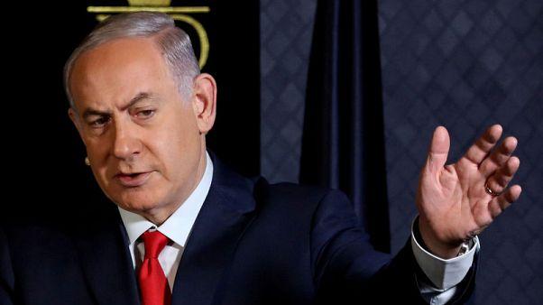 نتنياهو يتراجع في استطلاعات الرأي لكنه يملك سبيلا للبقاء في السلطة