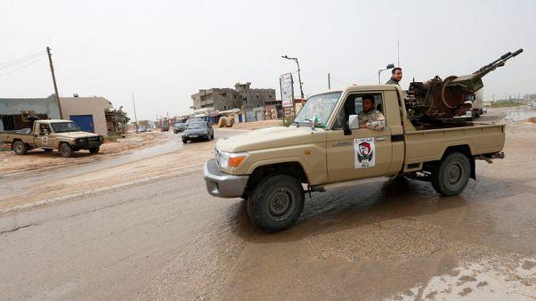 وزير: قوات موالية لحكومة طرابلس تستعيد السيطرة على مطار طرابلس الدولي