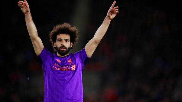 Liverpool leave it late to claim back top spot