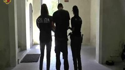 Stupro filmato con telefonino, 4 arresti