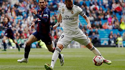 Benzema defies offside calls to give Madrid victory over Eibar