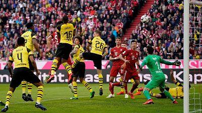 Bayern cinquina e primato, Dortmund ko