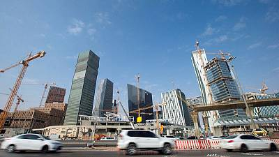 Saudi private sector keeps momentum but employment shrinks - PMI