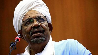 Thousands of Sudanese protesters hold second day of sit-in outside Bashir's compound