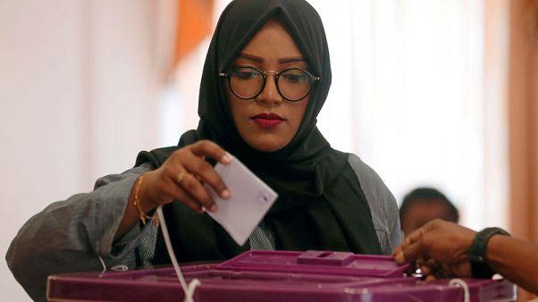 حزب رئيس المالديف يتجه إلى فوز كبير في انتخابات البرلمان