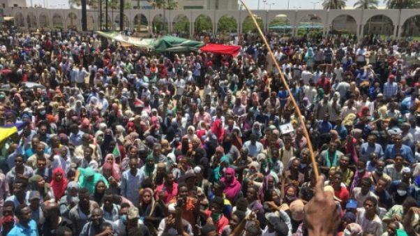 Soudan: dispersion d'une manifestation près du QG de l'armée