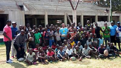 Rugby : APO Group Founder visits Zambia