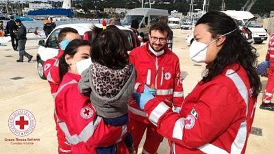 Migranti: in 18 sbarcano in Salento
