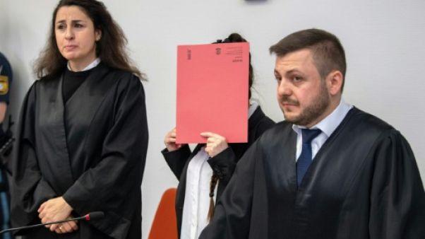"""Une Allemande de l'EI jugée pour la mort """"atroce"""" d'une fillette yazidie"""