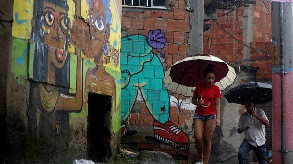 Powerful, 'abnormal' rains lash Rio de Janeiro, killing at least three