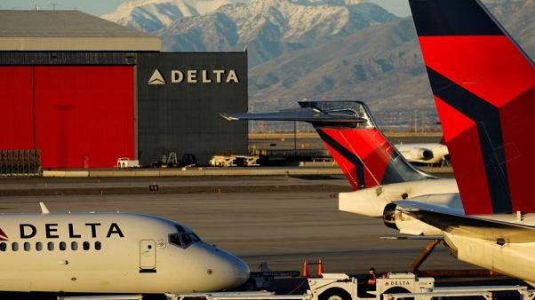 Delta forecasts second-quarter profit above expectations