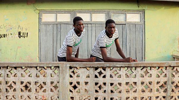 مدينة التوائم النيجيرية تقلب الرأي في سبب تعدد المواليد