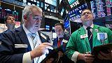 الأسهم الأمريكية ترتفع عند الفتح والأنظار على محضر اجتماع المركزي