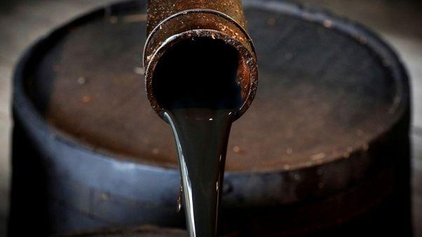 مخزونات النفط الأمريكية ترتفع الأسبوع الماضي لأعلى مستوى منذ نوفمبر 2017