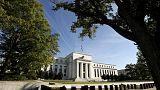 """المركزي الأمريكي لا يزال يتحلى """"بالصبر"""" بشأن أسعار الفائدة ويناقش ميزانيته"""