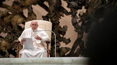 Papa, tratta è crimine contro umanità