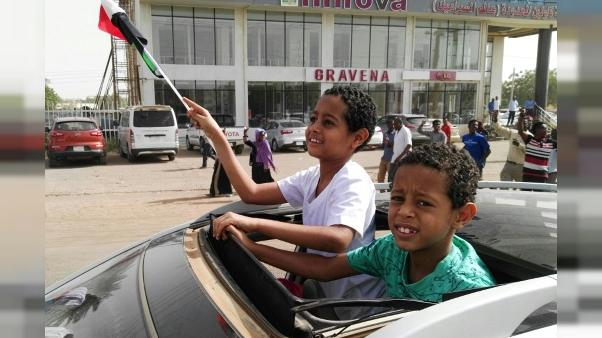 """Dans le """"Petit Soudan"""" parisien, des exilés entre déception et méfiance"""