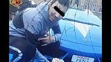 'Selfie' davanti a Lamborghini Polizia