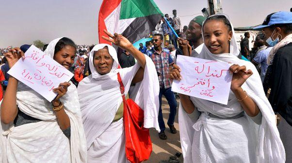 مصدر: تجمع المهنيين السودانيين يرفض بيان الجيش ويدعو لمواصلة الاحتجاجات